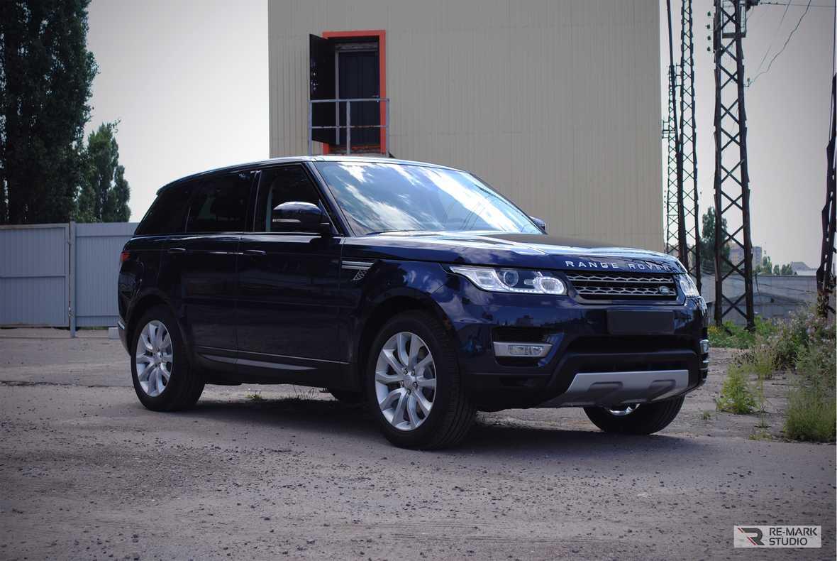 На фото общий вид на Range Rover Sport после предпродажной подготовки