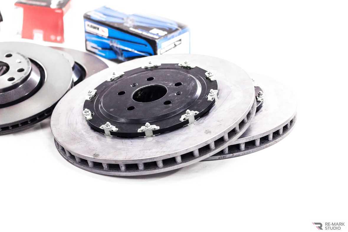 Смотреть на фото вентилируемые составные диски для тюнинга автомобиля Volkswagen Tiguan
