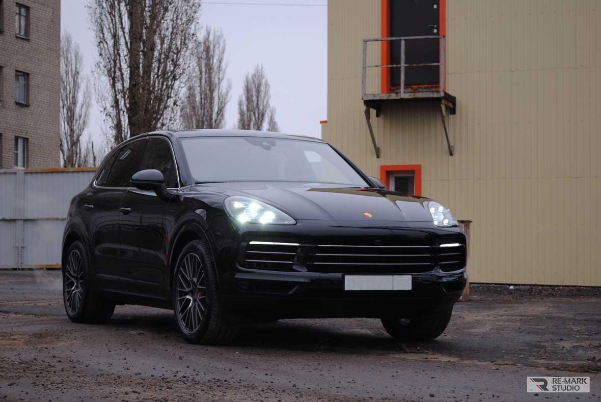 Смотреть фото Porsche Cayenne в защитной пленке PremiumShield.