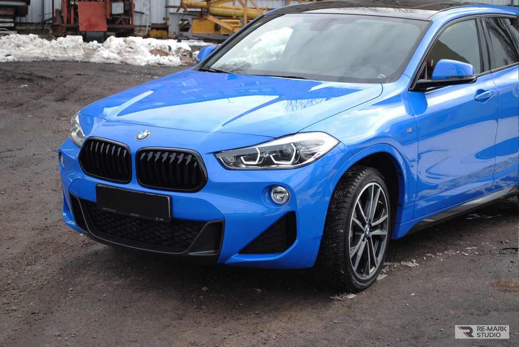 Смотреть на фото BMW x2 после установки полного пакета антихрома.