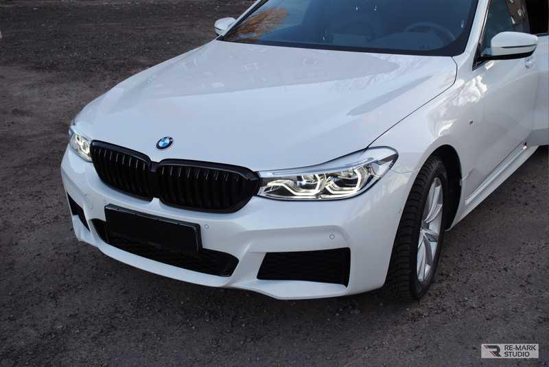 Смотреть на фото решетка BMW 6GT в антихроме. Где такую заказать?