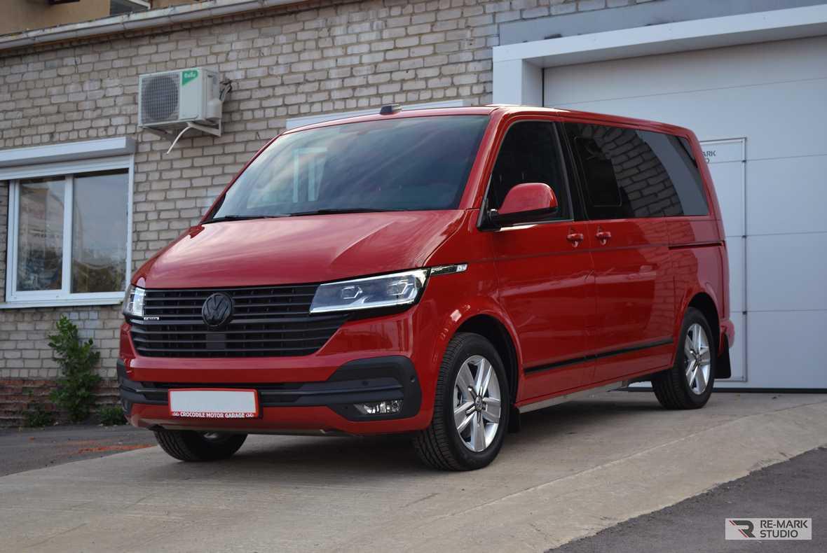 Установка антигравийной защиты PremiumShield на Volkswagen Multivan. Полная оклейка с бронированием крыши. 2020-ый год.