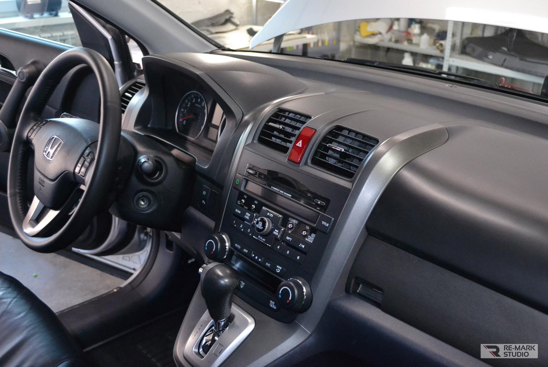 Итоговый результат еврохимчистки в салоне автомобиля Honda C-RV.